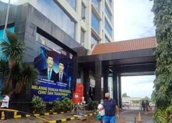Kantor DPMPTSP Kota Batam, penghubung pelaku usaha dan pemerintah, di Jalan Engku Putri. (Foto: Nilawaty Manalu)
