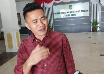 Anggota Komisi I DPRD Kota Batam, Utusan Sarumaha. (Foto: Agung Dedi Lazuardi)