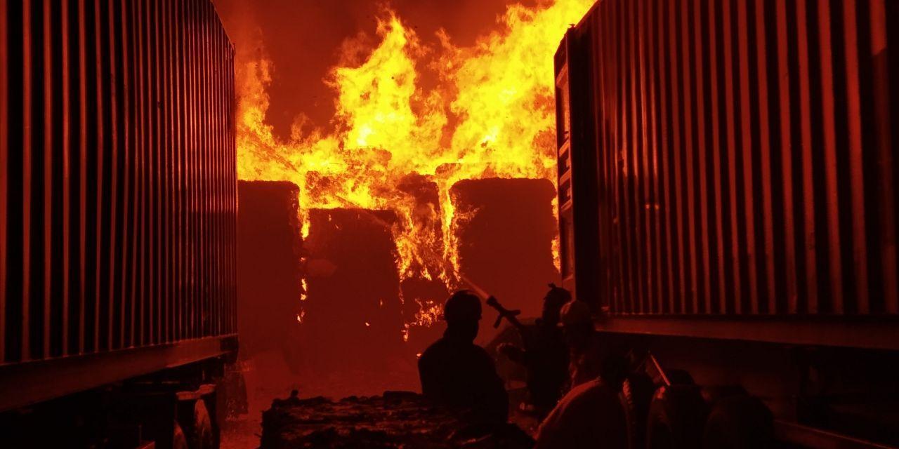 kebakaran Batam Center
