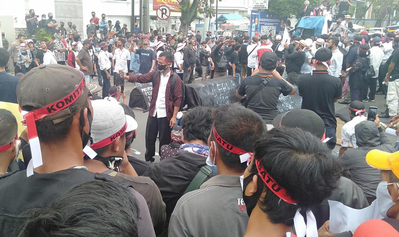 demo kantor Gubernur Sumut