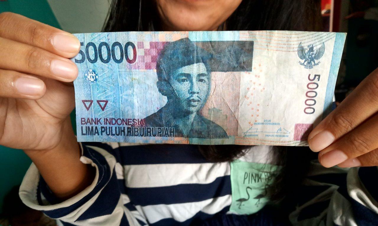 uang palsu di Batam