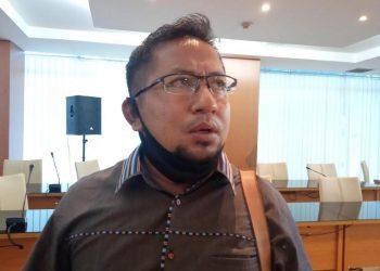 Anggiat Martua Simorangkir mewakili masyarakat Marihat Mayang dan Jawa Baru, Kabupaten Simalungun. (Foto: Tonggo Simangunsong)