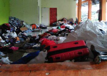 Gudang pakaian bekas di sebuah pasar di Kota Batam, Kepulauan Riau. (Foto: Bintang Hasibuan)