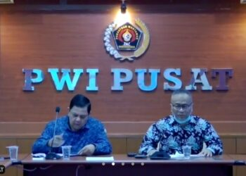 Ketua Umum PWI Pusat Atas S Depari (kanan). (Foto: Achmad Ristanto)