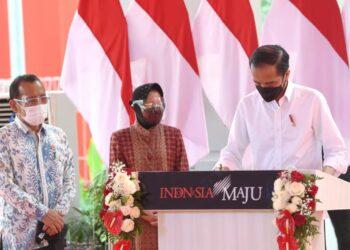 Presiden Joko Widodo meresmikan fasilitas pengolahan sampah menjadi energi listrik (PSEL) yang berada di ️Tempat Pembuangan Akhir (TPA) Benowo, Kota Surabaya, Provinsi Jawa Timur, Kamis, 6 Mei 2021. (Foto: Istimewa)