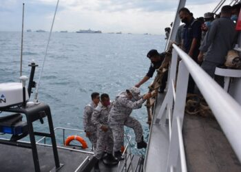 Bakamla jemput delapan nelayan Indonesia yang ditangkap Malaysia. (Foto: Muhammad Ishlahuddin)
