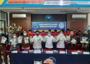 19.618,82 gram sabu-sabu dimusnahkan dengan cara dibakar di dalam mobil Incenerator oleh Badan Narkotika Nasional Provinsi Kepulauan Riau. (Foto: BNNP Kepri)