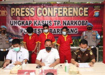 Konferensi pers oleh Satresnarkoba Polresta Barelang, 9 Juni 2021. (Foto: Polresta Barelang)