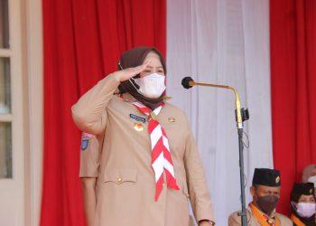 Marlin saat bertindak selaku Pembina Upacara Peringatan Hari Pramuka Ke-60 Tahun 2021 Gerakan Pramuka Kwarda Kepri di Halaman Gedung Daerah, Tanjungpinang. Foto. Humas Pemprov Kepri