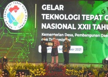 Kepala Dinas Pemberdayaan Masyarakat Desa (PMD) dan Dukcapil Kepri Sardison, menghadiri ajang final Teknologi Tepat Guna (TTG) Nasional XXII tahun 2021 di Gedung Makarti Jl. TMP. Kalibata No.17, Jakarta Selatan. (Foto: Ist)